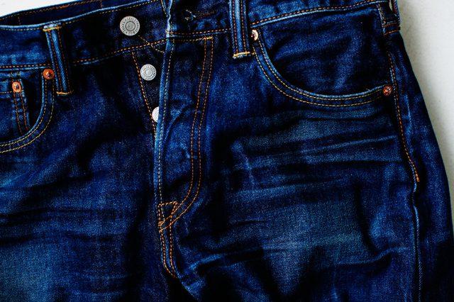 履き込んだようなシワ加工のリーバイスジーンズ