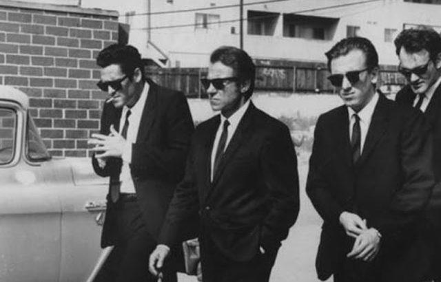 「レザボアドッグス」の黒いスーツとネクタイと70sミュージック