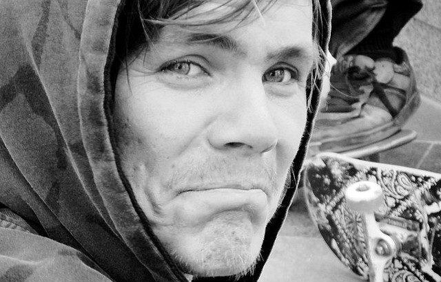 【スケーター名鑑】ジェフ・ローリー「ヨーロッパスケボーの門戸を開いたパンクロッカー」